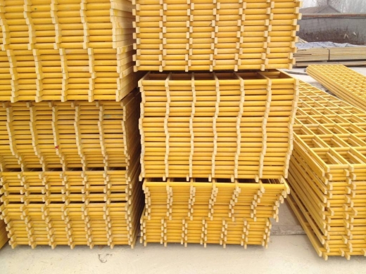 井筒装备煤矿梯子间防腐技术要求(ph=6至10的中性或碱性水):喷砂除锈质量等级要求达到Sa3级